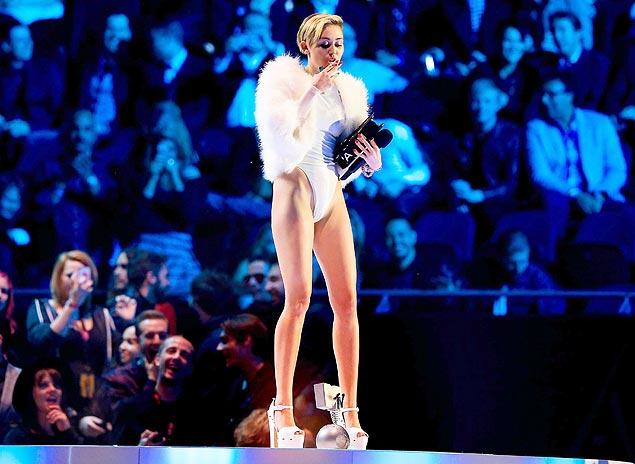 Las andanzas de la cantante norteamericana Miley Cirus están siempre entre las noticias más leídas de los portales online. Fotografía: Andy Kropa/Invision/AP.
