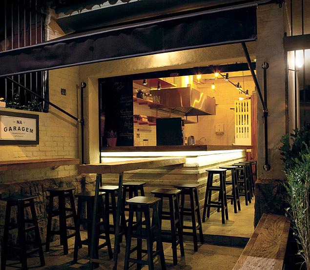 En Na Garagem la oferta son hamburguesas de carne y vegetarianas. Fotografía: Taygoara Martins