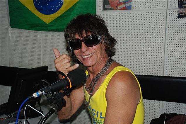 Edson Wander promueve su nuevo disco en el programa Bom Dia Maré. Fotografía: Milli Legrain