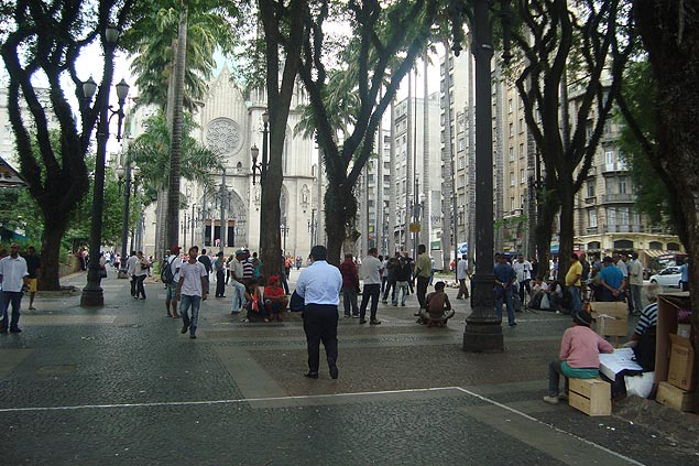 Plaza de Sé lugar de reunión de refugiados en São Paulo. Fotografía: Géssica Brandino
