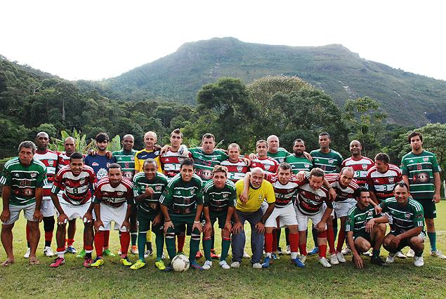 Clovis junto a sus compañeros del Club de Fútbol del Posse. Fotografía: Milli Legrain.