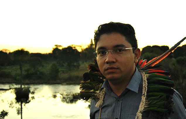 Con 25 años, el abogado Luiz Henrique de la etnia terena ya ha ganado varios procesos en defensa de los derechos indígenas. Fotografía: