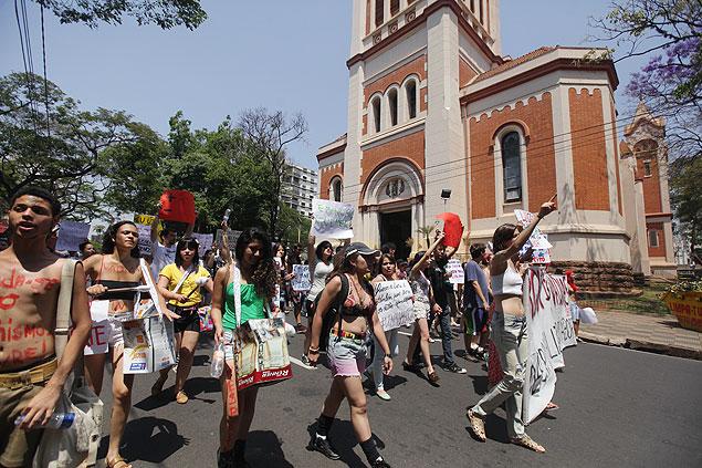 Mujeres reivindican políticas públicas de combate contra la violencia contra la mujer. Fotografía: Mariana Martins/Folhapress.