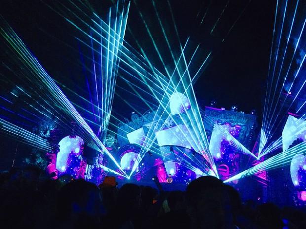 En el festival Tomorrowland, en São Paulo, se presentaron cientos de DJs. Fotografía: Carlos Turdera.