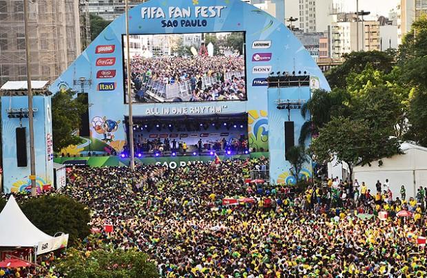 El año pasado, el Vale de Anhangabaú fue desalojado para instalar la FIFA Fan Fest. Fotografía: Nelson Almeida - 12.jun.2014/AFP.