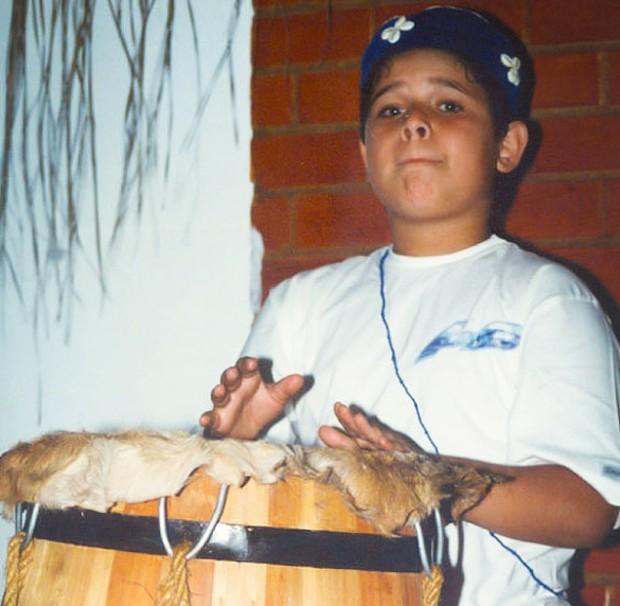 """Ricardo Nery (en la foto con 8 años)  fue llamado con sólo  4 de """"hijo del diablo"""" por una professora. Fotografía: Stela Guedes Caputo."""